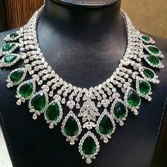 Sensational eye watering Tear-Drop Emerald Collar #emeralds #diamonds #luxury…