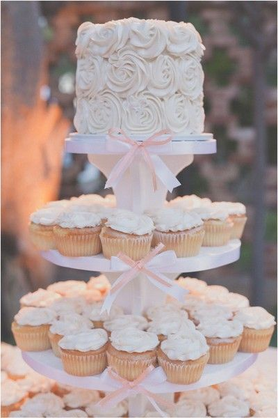 Wedding cupcake tower with little pink & white ribbons! So cute. | #WeddingDesserts | Skiff's Cakes | Hazelwood Photo