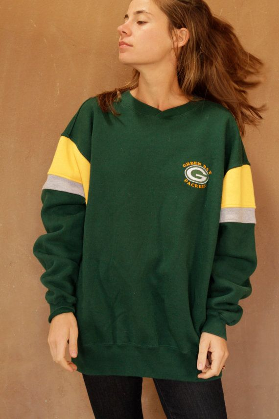 Hey, I found this really awesome Etsy listing at https://www.etsy.com/listing/219553903/90s-green-bay-packers-classic-sweatshirt