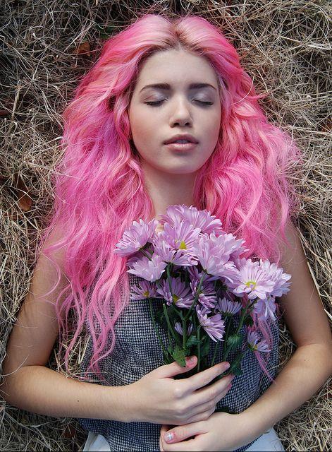 ,: Mermaids Hair, Hair Colors, Pink Hair, Boho Pink, Purple Flowers, Ali Antorcha, Hipster Hair, Colors Hair, Feathers Good