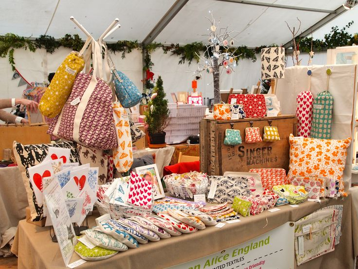 Christmas Cake Stall Ideas : 1000+ ideas about Market Stall Display on Pinterest ...