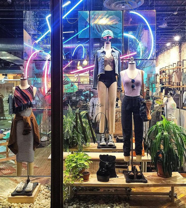 """URBAN OUTFITTERS, Washington DC, """"So ready for Spring/Summer"""",pinned by Ton van der Veer"""