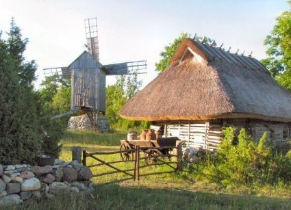 Try out living the robinson style! #atraveo #estonia