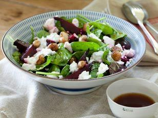 We've found the perfect Spring salad! Beetroot and macadamia, meat-free, healthy and delicious !