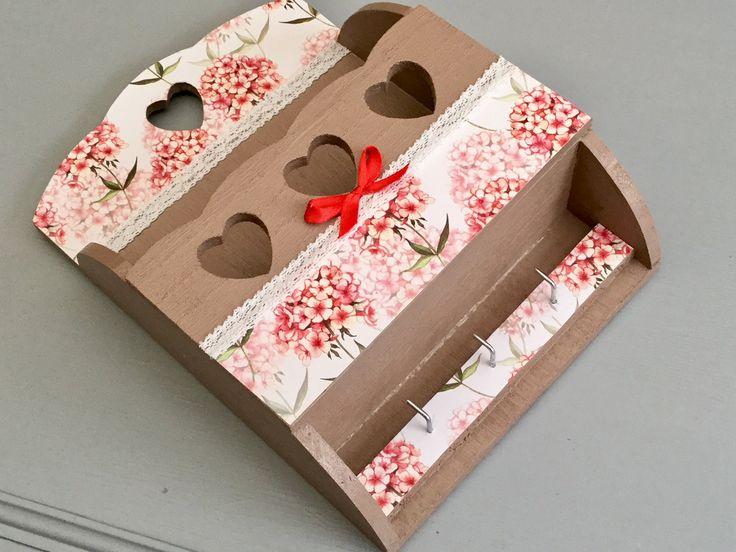 Boite a courrier ou fourre tout fleuri. de la boutique Arcencielcreatif sur Etsy