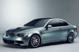 Dünya'nın en iyi araba üreten ülkesi olarak kabul edilen Almanya'nın en iyi üretici firmalarından bir tanesi BMW'dir. BMW arabalarında genellikle yuvarlak hatlar kullanan bir firmadır.