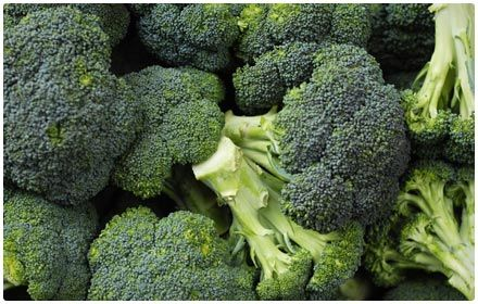 Broccoli - Though many vegetables contain lots of iron, many also are packed with iron inhibitors, which means your body is unable to absorb much of the iron. Fortunately, cruciferous veggies like broccoli are also filled with vitamin C. This plays a huge role in helping your body absorb and digest the essential iron. Eating a serving of broccoli every day is a great way to get more iron into your diet.  Serving Size (1/2 cup), 0.3 milligrams of iron (2% DV), 15 calories