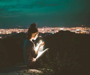 Sara este o simplă fată, care s-a mutat într-un liceu nou imediat dup… #vârcolaci # Vârcolaci # amreading # books # wattpad