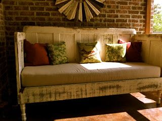 DIY Daybed - I think I'm going to make one JUST like this for the weekend cabin!
