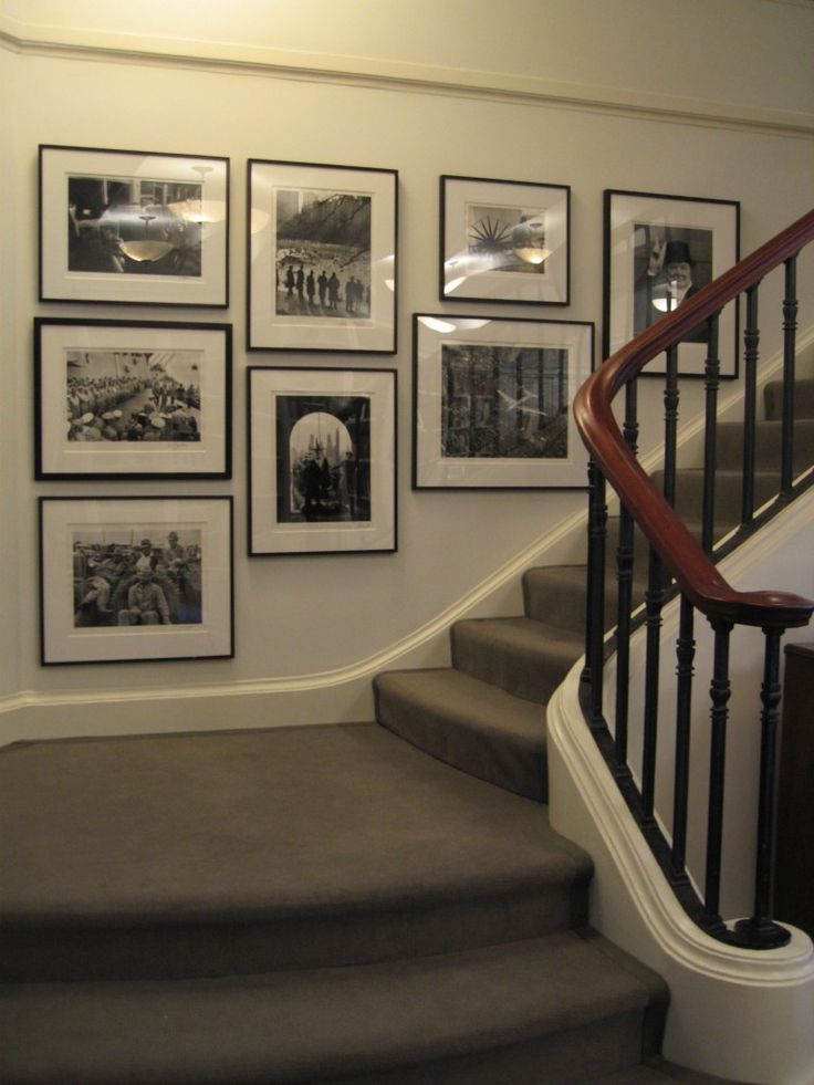 i like this stairway gallery wall black and white on what is a wall id=38788