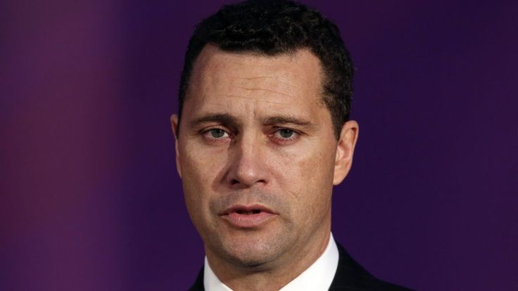 UKIP probe after MEP Steven Woolfe hurt in 'altercation' - BBC News