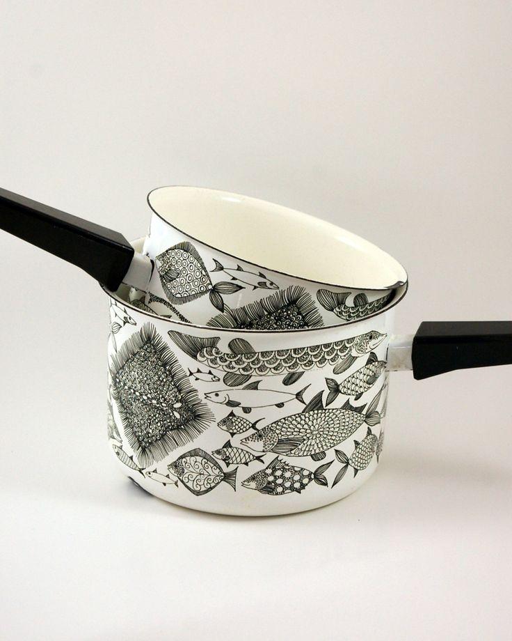 Two Finel Fish Pans Designed by Kaj Franck and Esteri Tomula