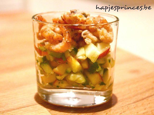 Glaasje met vers gepelde garnalen, mango, appel en courgette | Hapjes Princess: Don't eat less - Eat better | Bloglovin'