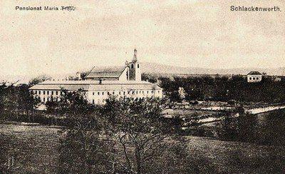 Ostrov - piaristický klášter | klášterní areál od severovýchodu počátkem 20. století