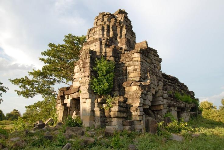 Banteay Chhmar  http://cambodia.threeland.com