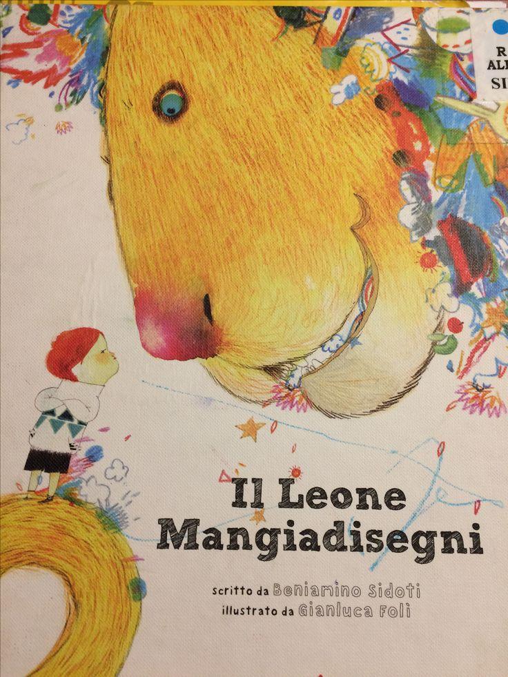 Il leone mangia libri