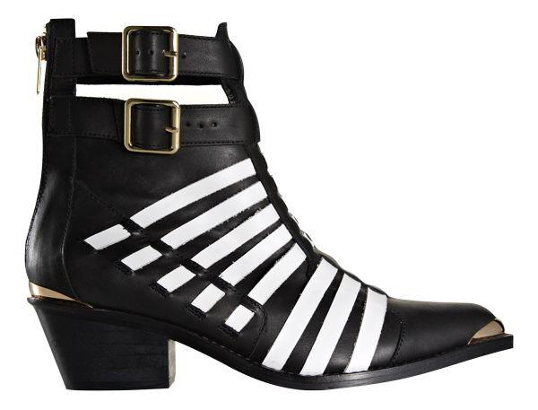 Boots from Mi Piaci. #monochrome