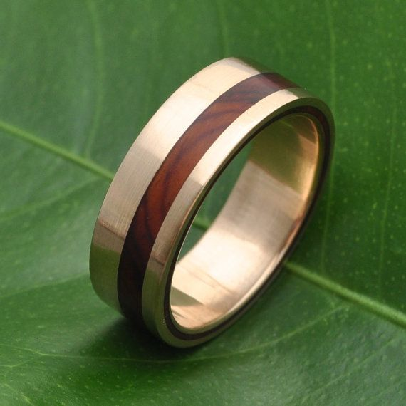 Ecofriendly Wood and Recycled Gold Wedding Band by Naturaleza Organic Jewelry. Shop for this Equinox Ñambaro Cocobolo 14k Recycled Yellow Gold Ring by naturalezanica on Etsy.com