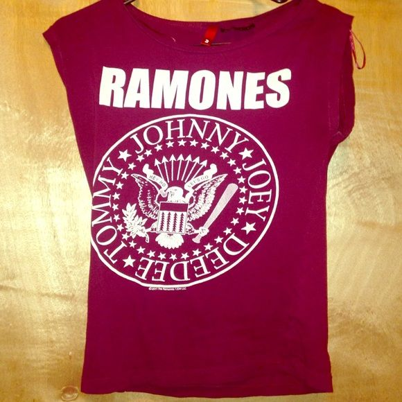 H&m ramones shirt Slightly sleeveless. Great condition. From h&m H&M Tops Tees - Short Sleeve