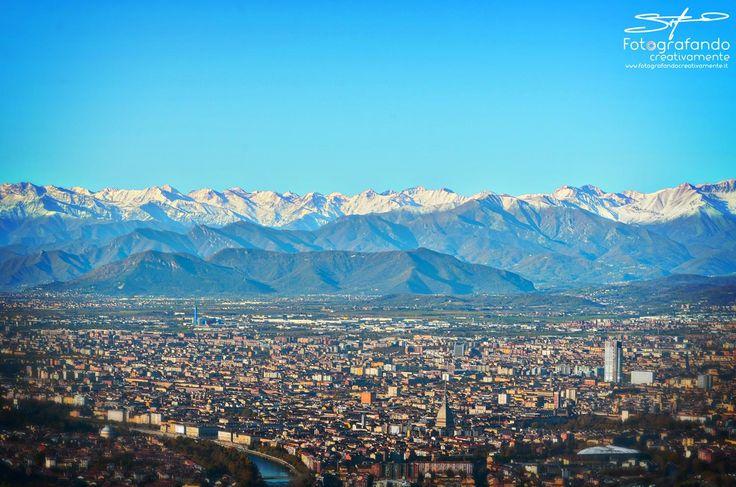 Ai piedi dei monti... #moleantonelliana #Torino #Fotografandocreativamente