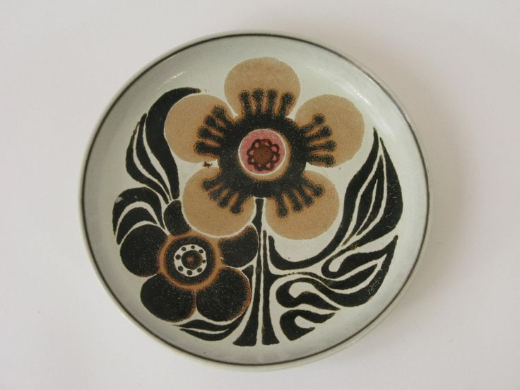 starter, salad and desert plate, Langley Westbury Ware, 1972/76. http://www.langleypotterysociety.co.uk/denby.html