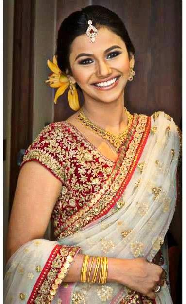 www.amouraffairs.in Indian Bride Lehenga gold border zari zardozi wedding, bridal, bride, lehenga, gorgeous, elaborate, wow, pink, golden details, hairstyle, pretty Bride: Roshni Eapen Makeup Artist: Jefferson V Palis (Dubai)
