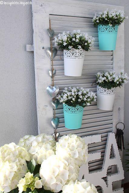 Balkon Balcony Sommer Dekorieren wohnen Blumen Fensterladen