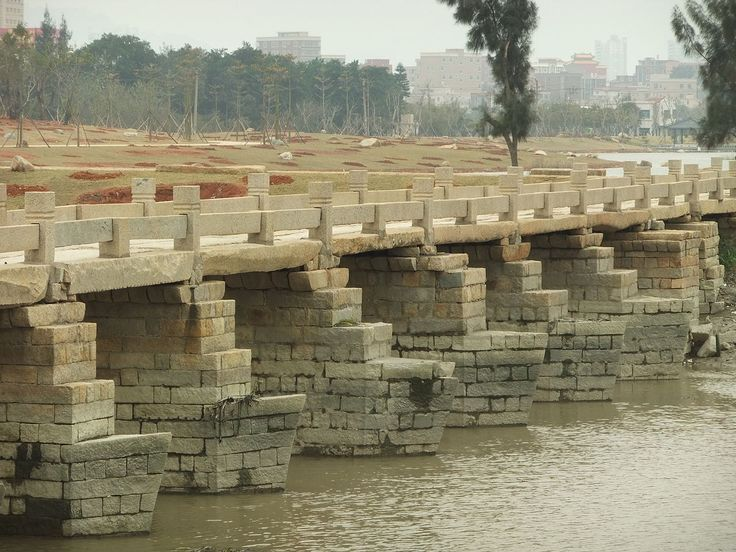 Chinese Architecture / Anping Bridge is a Song dynasty stone beam bridge in China's Fujian province. It is 2,070 metres long.The bridge is also known as the Wuli Bridge, literally Five Li Bridge because its length is about 5 li, where a li is about 500 meters.
