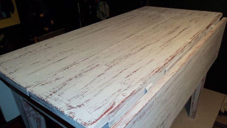 Peint avec Chalk paint™ peinture à la craie d'Annie Sloan couleur Primer Red et Old White