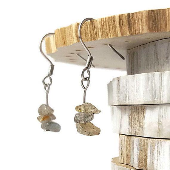 Bijoux labradorite boucles d'oreilles par DSNatureetCreation https://www.etsy.com/fr/listing/222392052/bijoux-labradorite-boucles-doreilles?ga_search_query=labradorite&ref=shop_items_search_25