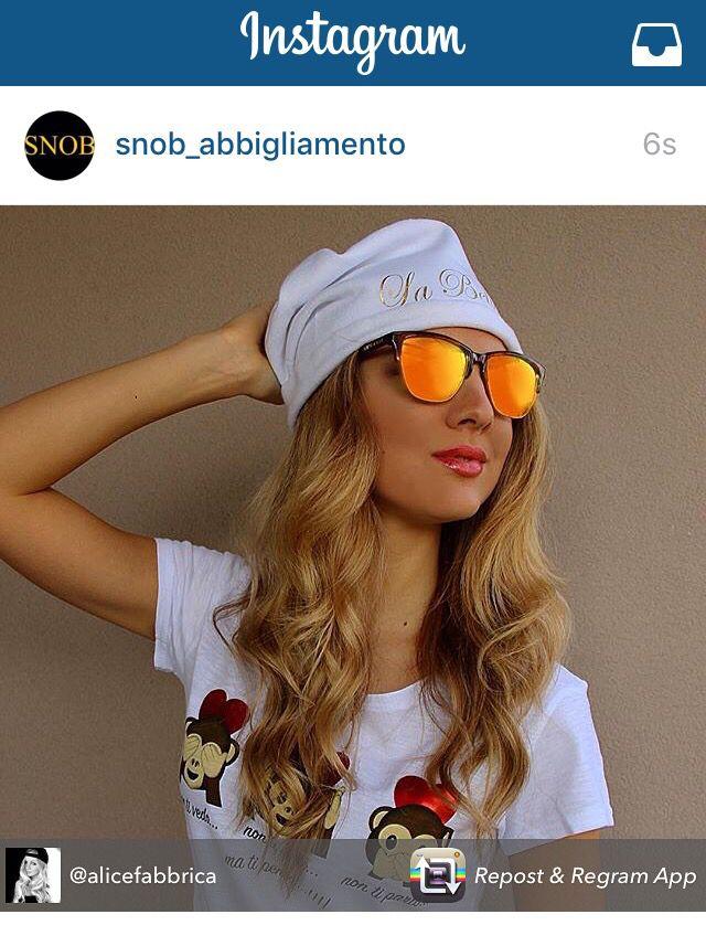 """#SIAMOTUTTISNOB come la fantastica @alicefabbrica con Cuffietta """"La Bella Vita""""  SNOB. Grazie Alice... che spettacolo !! Puoi comprarla anche tu sul sito www.vitasnob.com #facciamomoda #onlytop #tshirt#italianstyle #snobabbigliamento #brand #blogger #vipsnob#beautiful #cool #crazy #coomingsoon #crazyforsnob #dresscode #milano #esageriamo #fashion#effettosnob #instagram #lifeissnob #veryimportant #moda #milano #novita #lagrandebellezza  #noncifermiamomai#snob abbigliamento"""