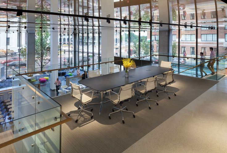 """Pour le design de leurs bureaux, le cabinet d'architectes américain HOK a choisi la membrane de type Laqué Blanc L101 et la lisse ghost aluminium """"Knife Edge"""" 13°. Où et qui que vous soyez, nous avons une solution personnalisée. Renseignez-vous: http://newmat.com/fr/particuliers/contact/index.html #stretchceiling #officedesign"""