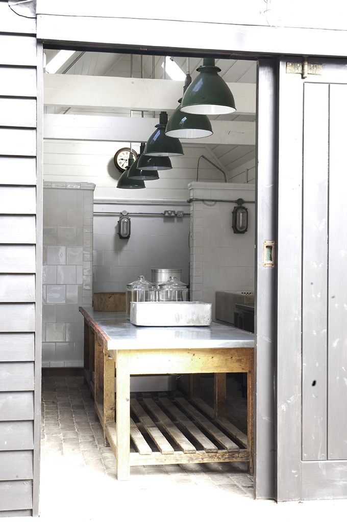 industrial kitchen: White Tile, Kitchens Design, Idea, Sliding Barns Doors, Barns Kitchens, Industrial Kitchens, Interiors, Kitchens Islands, Sliding Doors
