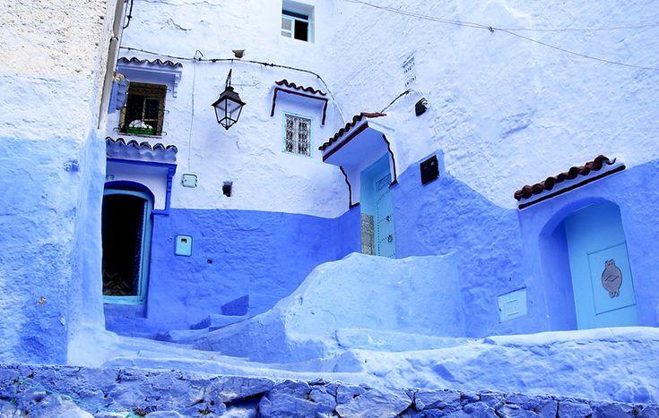 Chefchaouen, Marrocos – Essa cidade montanhosa fica em na região dos principais produtores de Cannabis do país. O nome faz alusão aos picos das montanhas acima da cidade, que lembram dois chifres de bode.