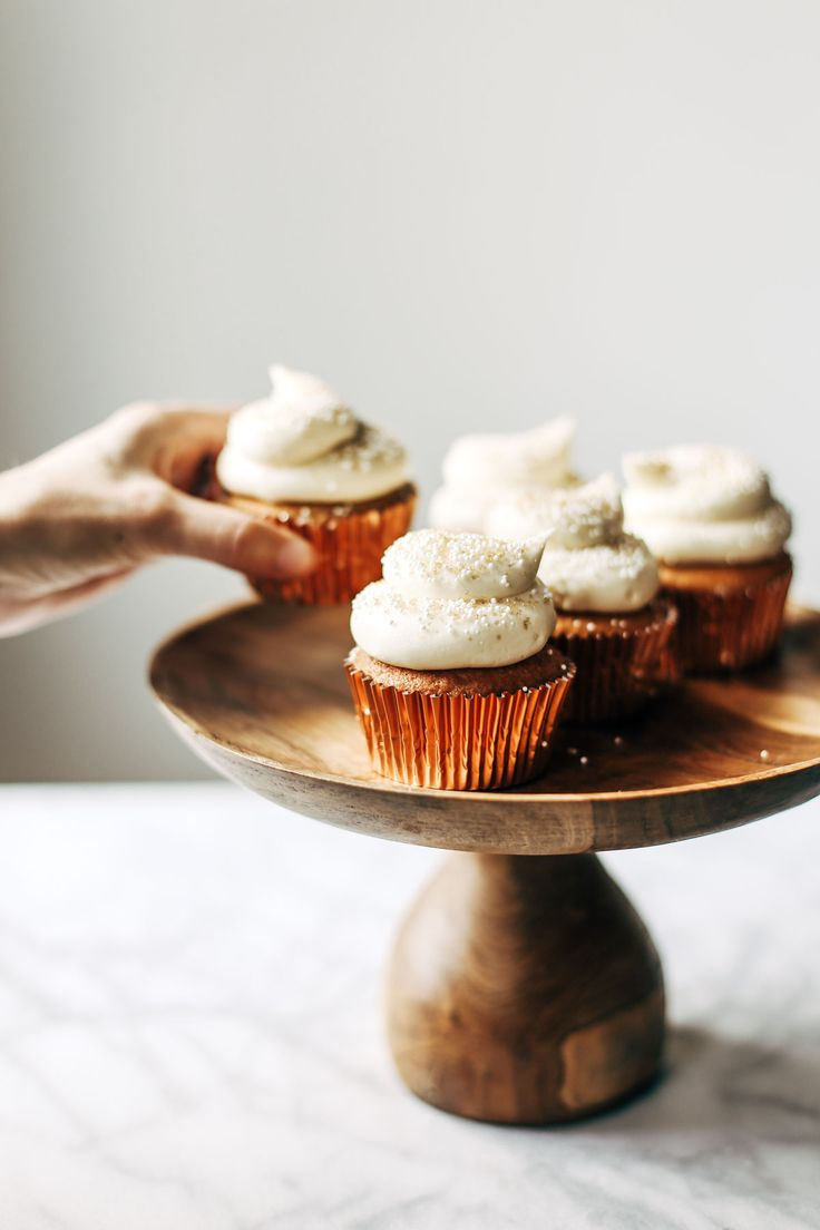 Cake Designs For Photographers : Best 25+ Cupcake photography ideas on Pinterest