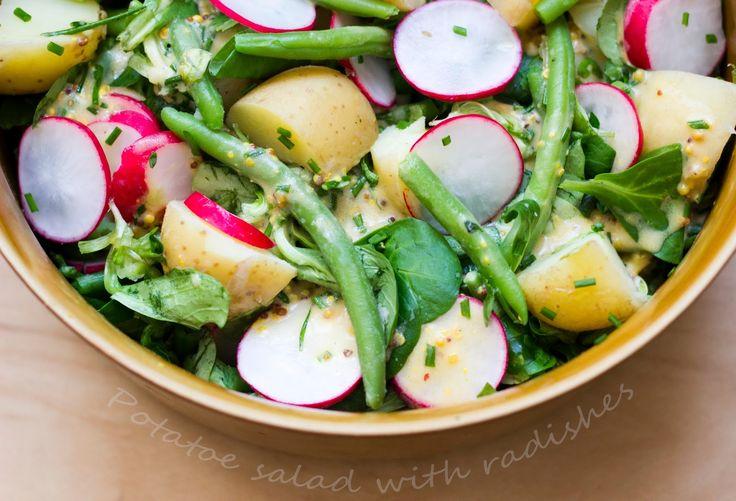 Bez Papriky: Spring salad with radishes/Jarní bramborový salát s ředkvičkami