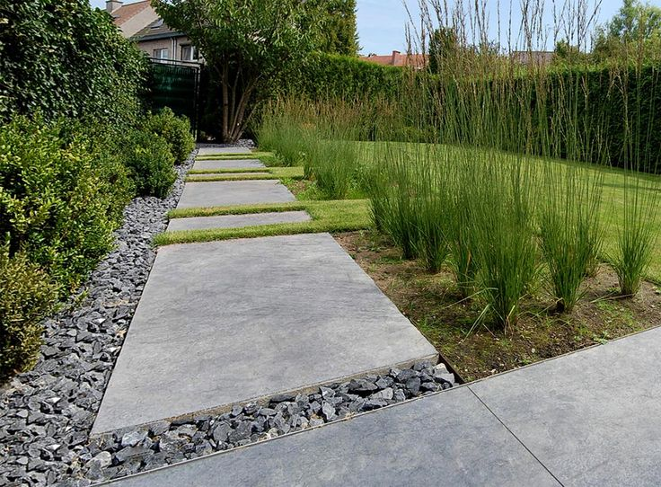 Paving and lawn pattern