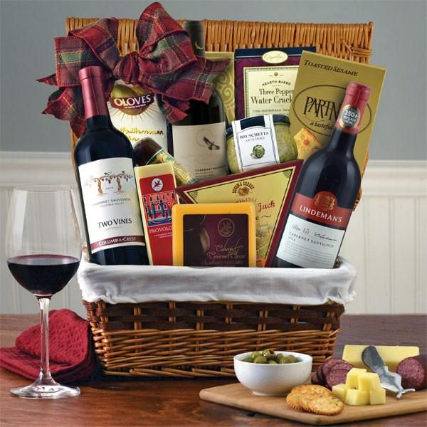 Best 25 picnic gift basket ideas on pinterest recipe for Best wine gift ideas