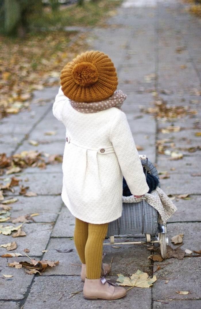 winter-outfits für junge Modefans-Strickmütze-Strumpfhose für Kinder in Senfgelb