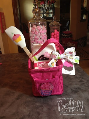 Great use of our Thirty One Little Carry All, What a cute Valentine Teacher Gift! A Thirty-One Littles Carry All only $12!