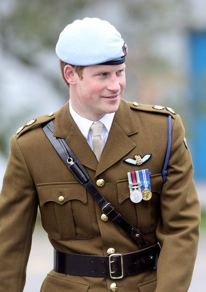 Prince Harry Photos - Prince Harry Graduates from His Pilot Courrse - Zimbio