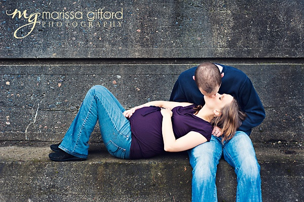http://marissagiffordphotography.com - very cute maternity pose, love the clean edit, too