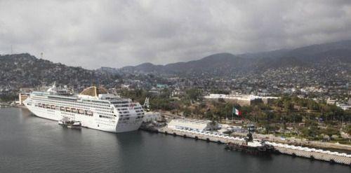 Estados Unidos prohíbe a empleados de gobierno viajar a...