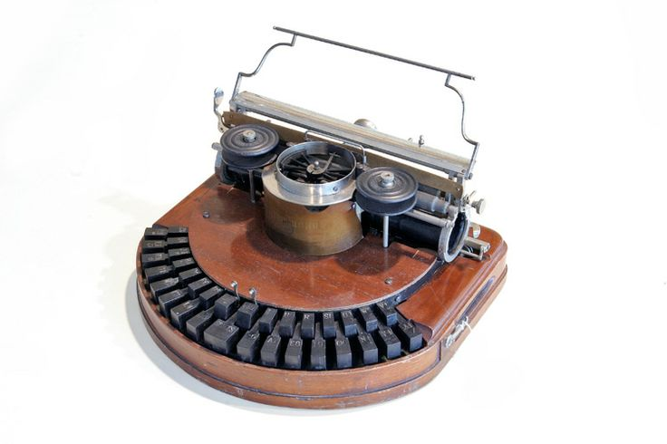 """Hammond n.1. Typewriter patented in 1880 and put on the market in 1881 by the """"Hammond Typewriter Company"""" in New York. The keys were entirely made in ebony and laid on two semicircular rows."""