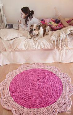 Alfombra de trapillo hecha a crochet Modelo FLORA
