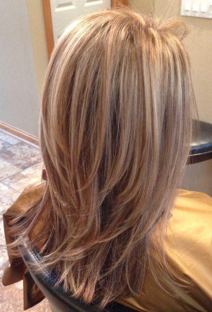 Dimensionsfarbe Und Schichten Dimensionsfarbe Halblang Schichten Und Schone Frisuren Mittellange Haare Frisuren Haarschnitte Frisuren