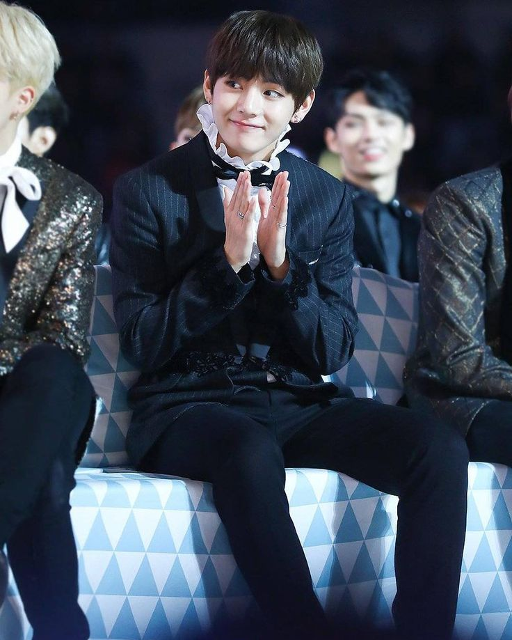 161119 Taehyung @ MMA2016 — cr: my little valentine || His smile makes me :)