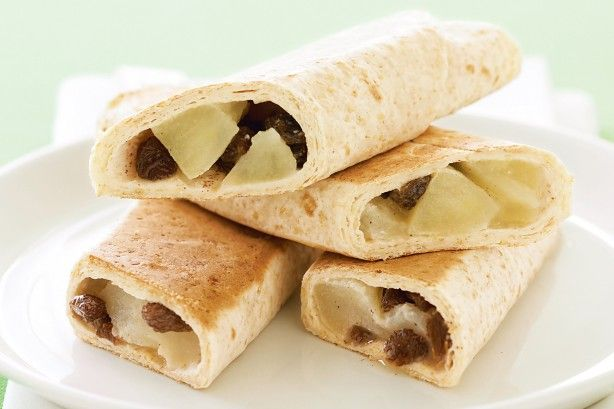 Roll up these delicious apple and sultana wraps for a simple snack idea the kids will love!