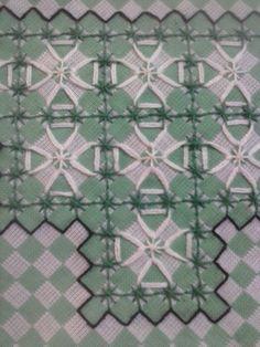Bordado em tecido xadrez                                                       …
