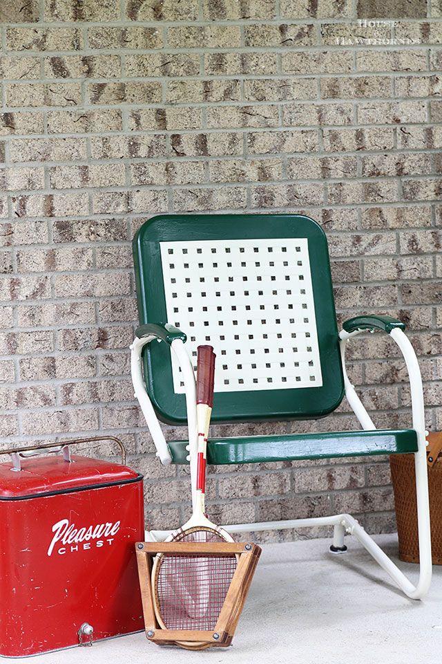 vintage metal furniture. diy tutorial on how to paint a vintage metal motel chair furniture